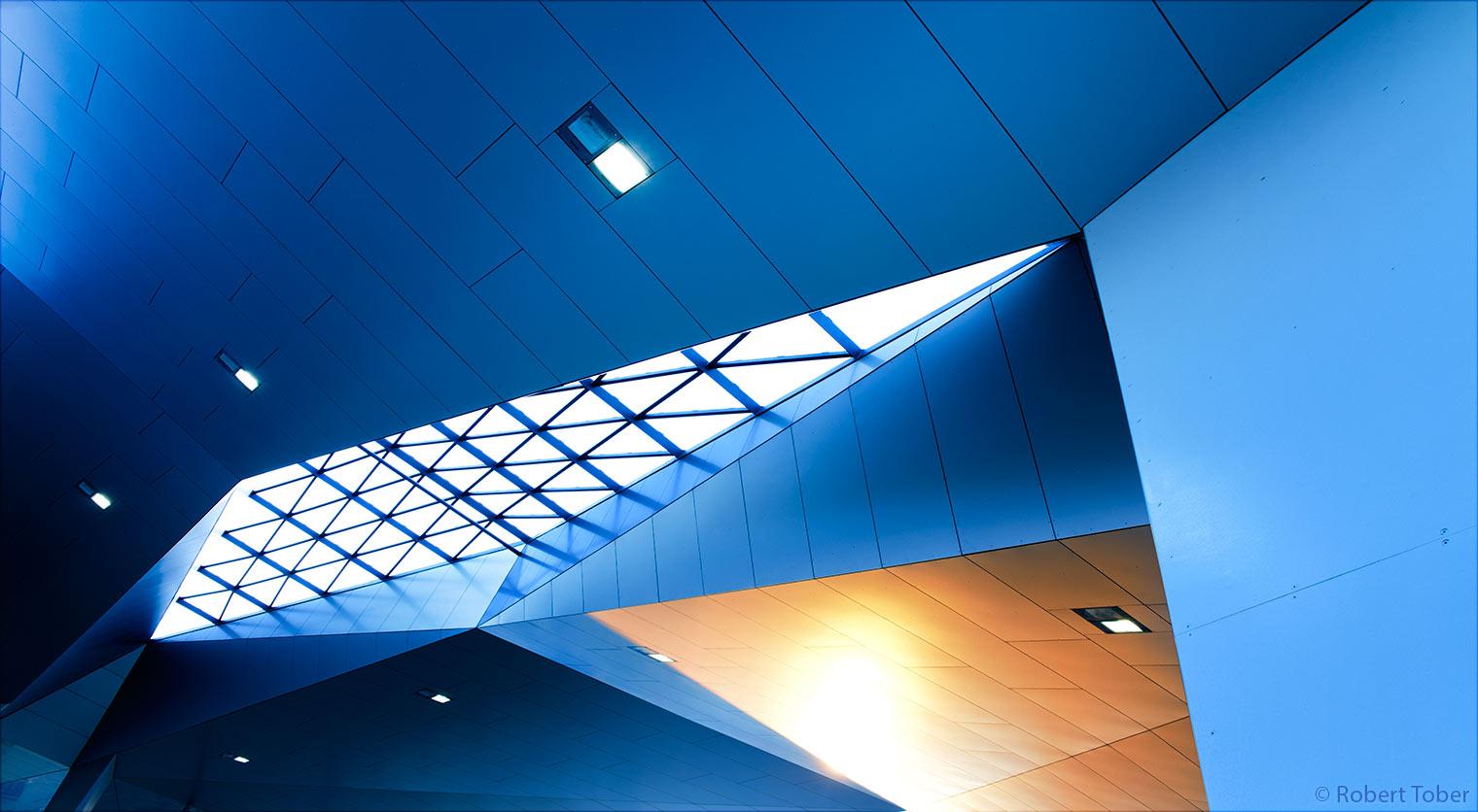 Deckenkonstruktion des Wiener Hauptbahnhofs · © Robert Tober · www.toro.cc