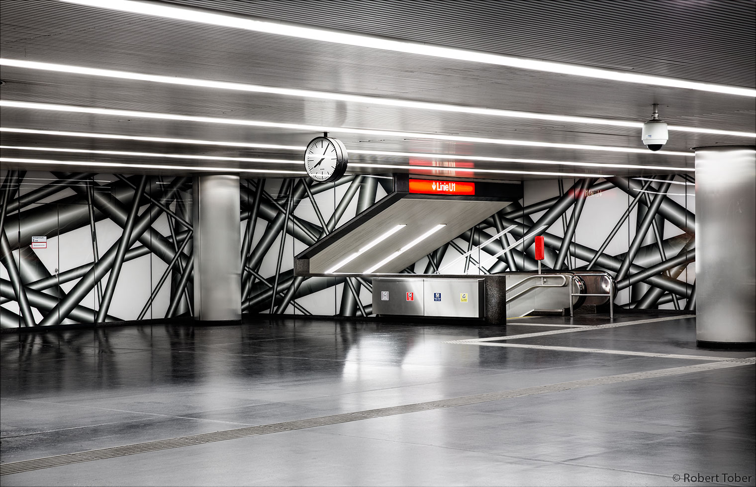 Karlsplatzpassage, Zugang zu U1 · © Robert Tober · www.toro.cc