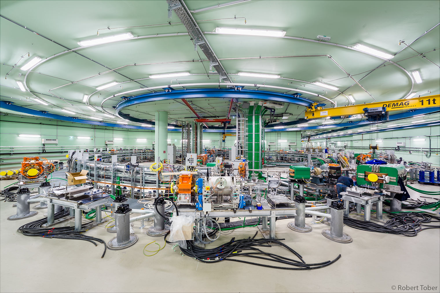 MedAustron Wiener Neustadt, Ionentherapiezentrum, Teilchenbeschleuniger · © Robert Tober · www.toro.cc